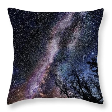 Milky Way Splendor Throw Pillow