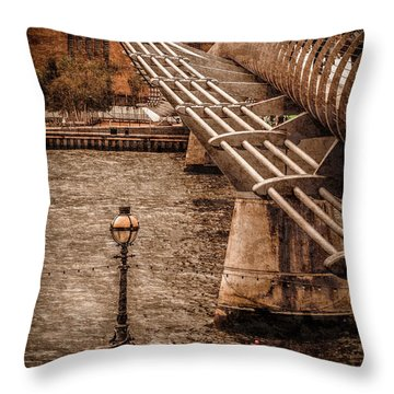 London, England - Millennium Bridge Throw Pillow
