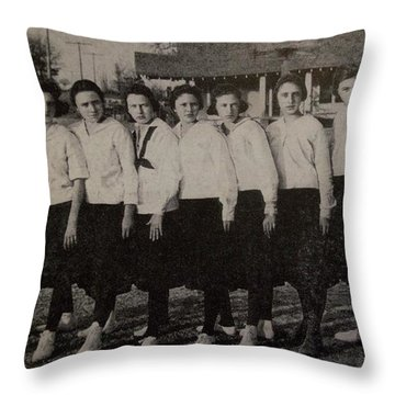 Mineola 0317 Throw Pillow