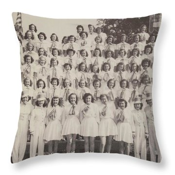 Mineola Hs Throw Pillow