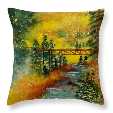 Minturn In Autumn Throw Pillow