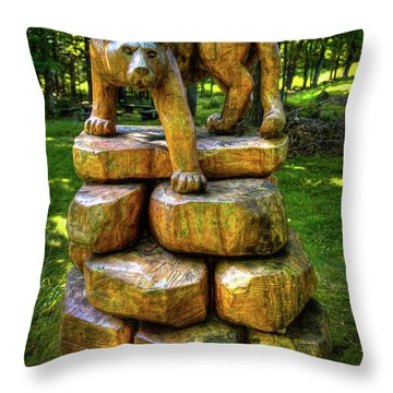 Throw Pillow featuring the photograph Mirnie's Cougar Sculpture by David Patterson