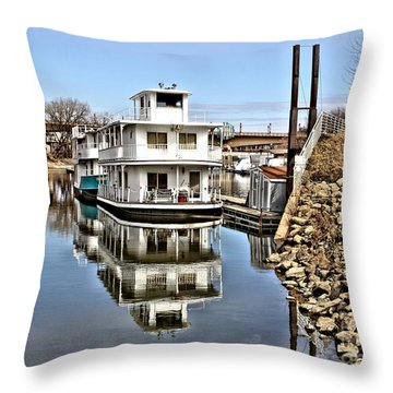 Mississippi Houseboat Throw Pillow