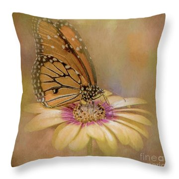Monarch On A Daisy Mum Throw Pillow