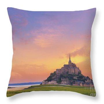Mont-saint-michel At Dawn Throw Pillow