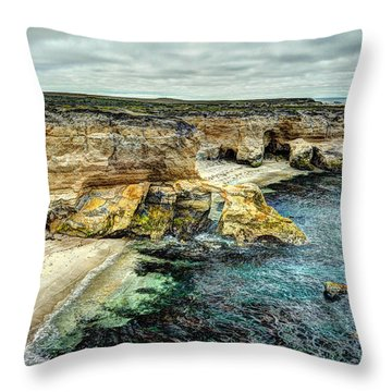Montana Del Oro Throw Pillow
