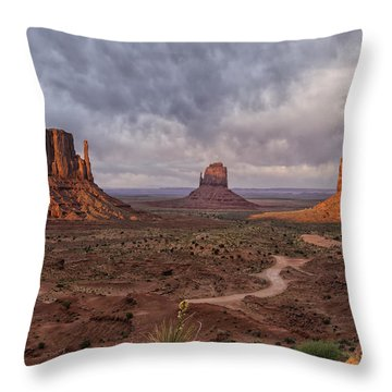 Monument Valley Mittens Az Dsc03662 Throw Pillow