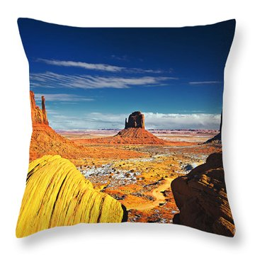Monument Valley Mittens Utah Usa Throw Pillow