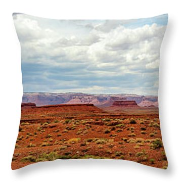 Monument Valley, Utah Throw Pillow