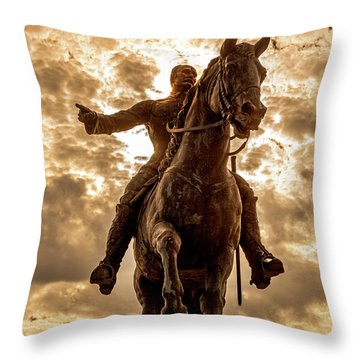 Throw Pillow featuring the photograph Monumento A Calixto Garcia Havana Cuba Malecon Habana by Charles Harden