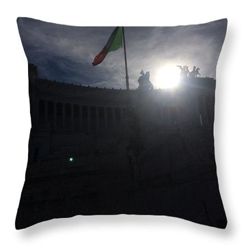 Monumento Nazionale A Vittorio Emanuele II Throw Pillow
