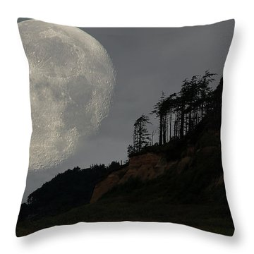 Moon At Roosevelt Beach Wa Throw Pillow
