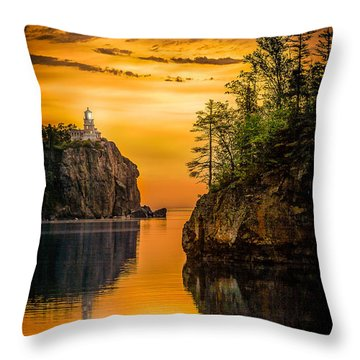 Morning Glow Against The Light Throw Pillow