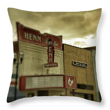 Throw Pillow featuring the photograph Morning Henn by Greg Mimbs