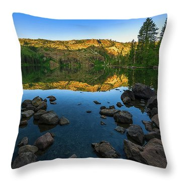 Morning Reflection On Castle Lake Throw Pillow