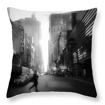 Morning Walk In Ny Throw Pillow
