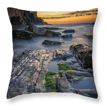 Mossy Rocks At Bald Head Cliff  Throw Pillow
