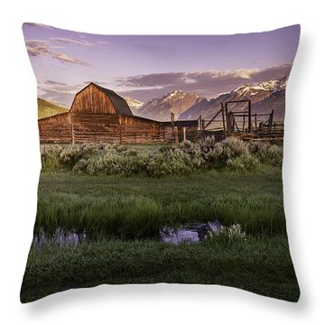 Moulton Barn At Dawn Throw Pillow