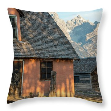 Throw Pillow featuring the photograph Moulton Homestead - Pink House At Morning Light by Colleen Coccia