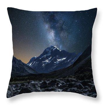Mount Cook At Night Throw Pillow