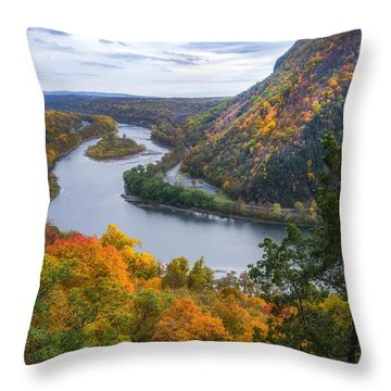 Throw Pillow featuring the photograph Mount Minsi 2 by Mark Papke