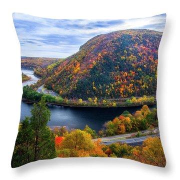Mount Minsi Throw Pillow