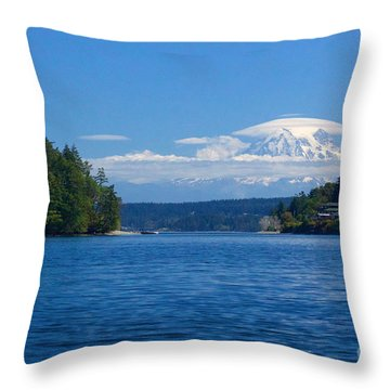 Mount Rainier Lenticular Throw Pillow