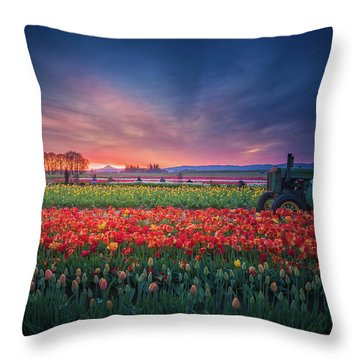 Throw Pillow featuring the photograph Mt. Hood And Tulip Field At Dawn by William Lee