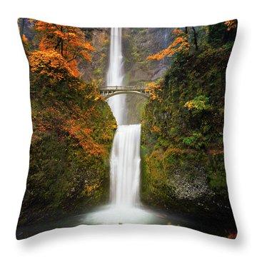 Multnomah Falls In Autumn Colors Throw Pillow