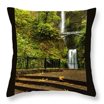 Multnomah Falls,oregon Throw Pillow