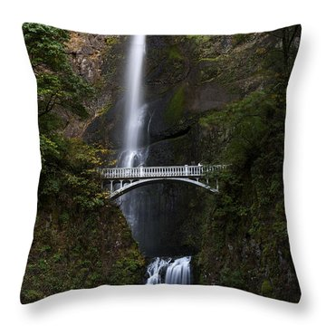 Multonomah Falls Throw Pillow