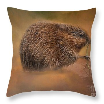 Muskrat Snack Throw Pillow