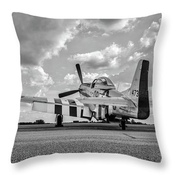 Mustang On The Ramp Throw Pillow