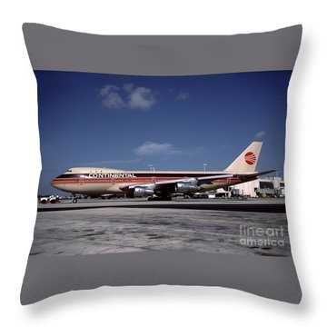 N17011, Continental Airlines, Boeing 747-143 Throw Pillow