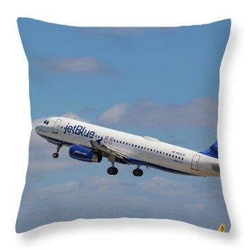 N625jb Jetblue At Fll Throw Pillow