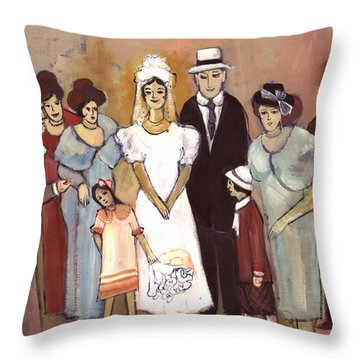 Naive Wedding Large Family White Bride Black Groom Red Women Girls Brown Men With Hats And Flowers Throw Pillow