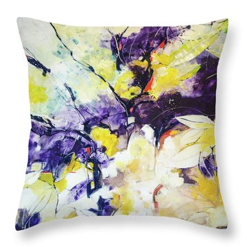 Nature 5140 Throw Pillow by Alessandro Andreuccetti