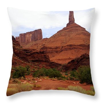 Near Moab 5 Throw Pillow by Marty Koch