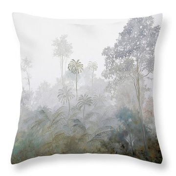 Nebbia Nella Foresta Throw Pillow