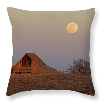 Nebraska Moon Throw Pillow