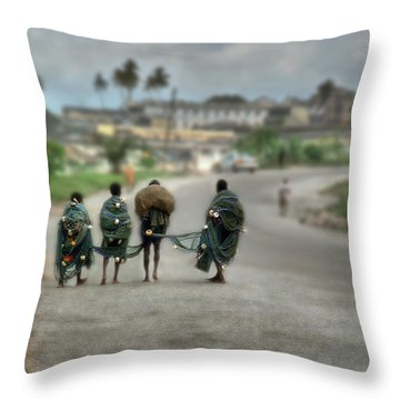 Net Boys Throw Pillow