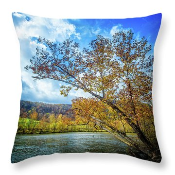 New River In Fall Throw Pillow