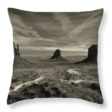 Monument Valley 9 Throw Pillow