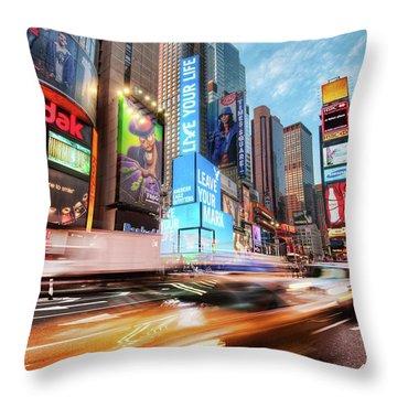 New York 1920x1200 100 Throw Pillow