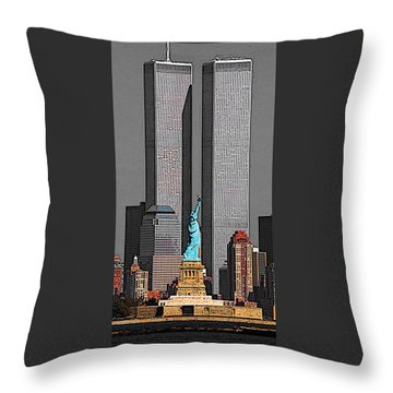 New York 911 Memory - Twin Towers And Statue Of Liberty Throw Pillow