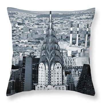 New York City - Usa - Chrysler Building Throw Pillow