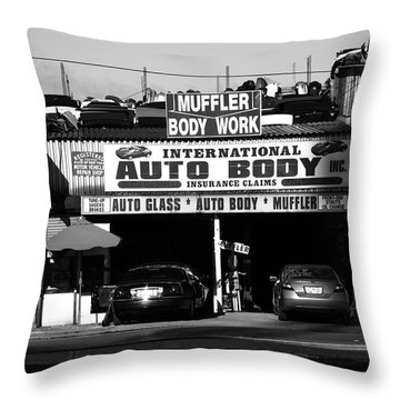 Throw Pillow featuring the photograph New York Street Photography 69 by Frank Romeo