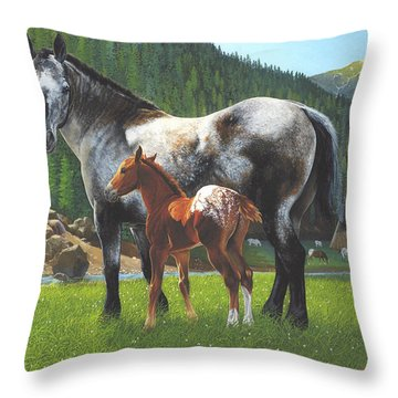 Nez Perces Gold Throw Pillow