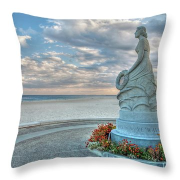 New Hampshire Marine Memorial Throw Pillow