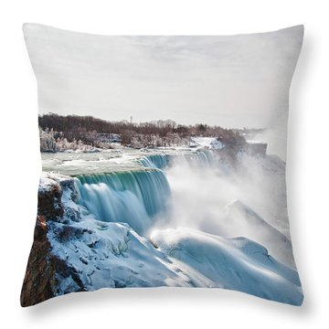 Throw Pillow featuring the photograph Niagara Falls 4589 by Guy Whiteley